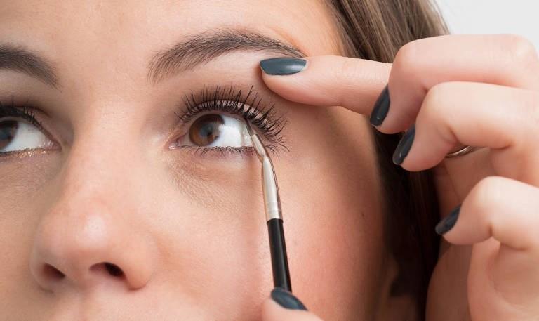 Chì kẻ mắt Eye Contour Stick