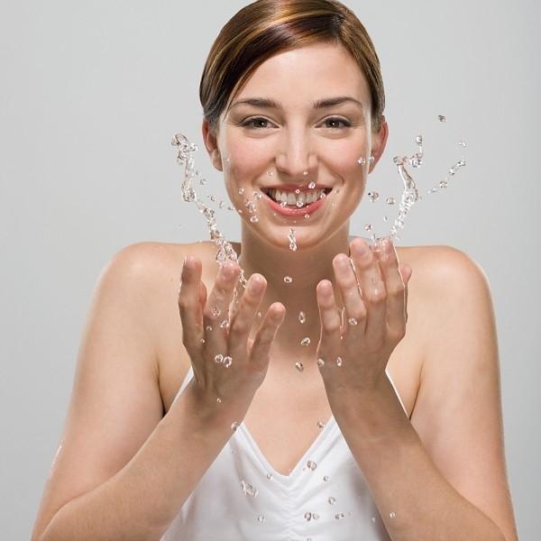 Sữa rửa mặt làm sáng da Energy Cleansing Milk